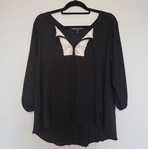 Monteau Black top with lace